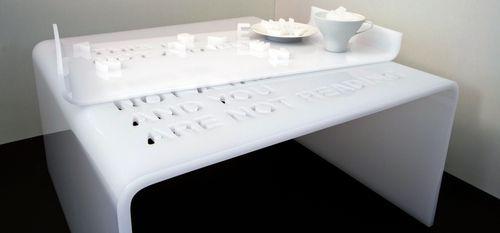 Dettaglio tavolino vassoio